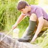 11 Cara Membersihkan Air Kolam Ikan (Cepat dan Mudah)